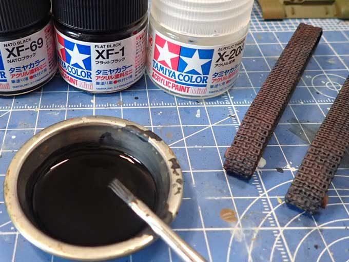 履帯の塗装