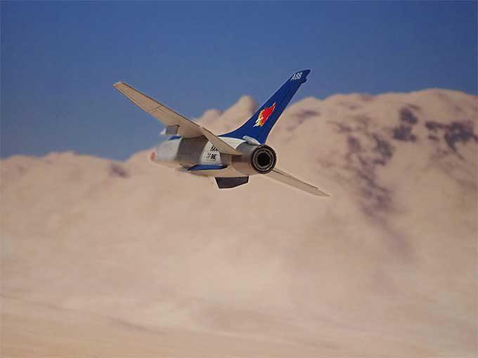飛行中のF8-E